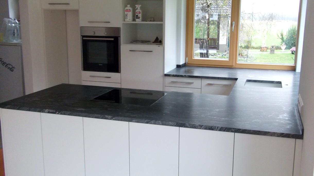 BLACK STERLING, Küchenarbeitsplatten, geledert