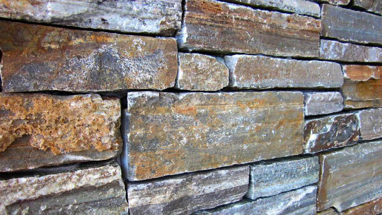 KARYSTOS BROWN, Mauersteine, gespalten, Mauerverblender mit gesägter Rückseite