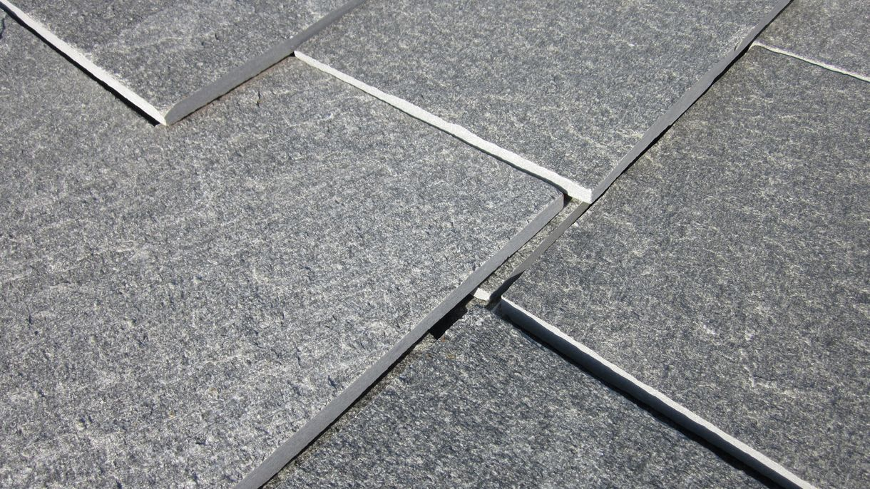 KAVALA, Bodenplatten, gespalten mit gesägten Kanten, 30 x freie Längen x 1-3 cm