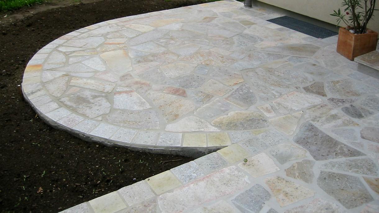 SOLAEDO SG, Polygonalplatten, gespalten, Normalformat mittel x 3-5 cm